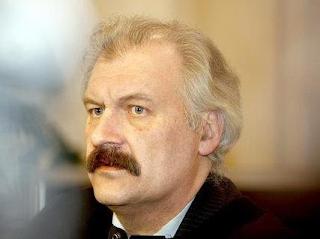 """Arūnas Marcinkevičius. """"Kova su terorizmu: Europos Sąjunga nuginkluoja lojalius piliečius"""""""