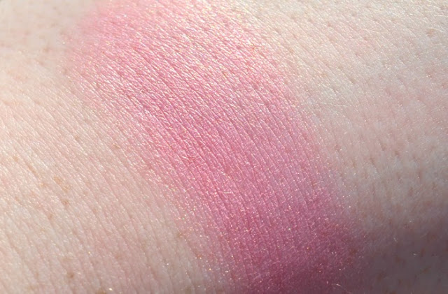 Sleek Mirrored Pink Blush Swatches