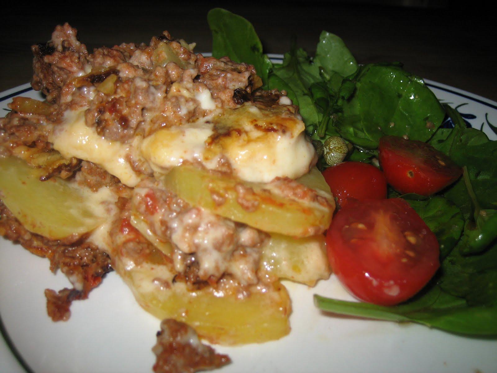 köttfärsgratäng med potatis och bacon