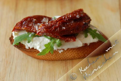 Crostini - Frischkäse-Rucola-Tomate