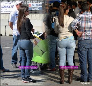 mujeres jeans apretados