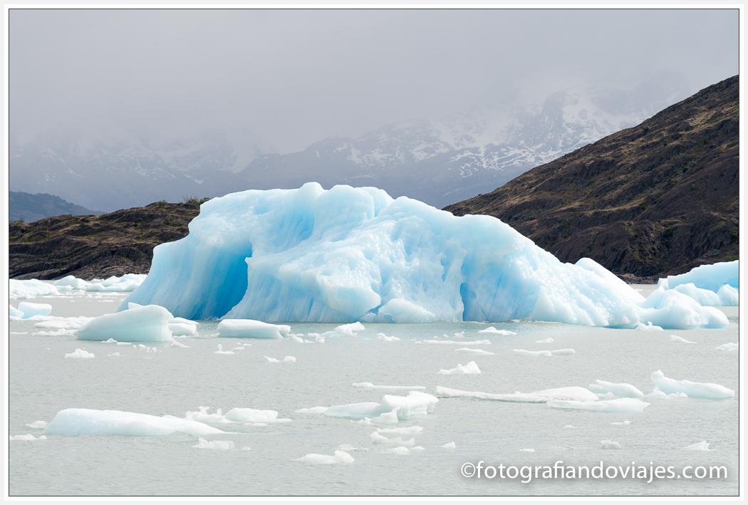 Iceberg cerca del glaciar Upsala