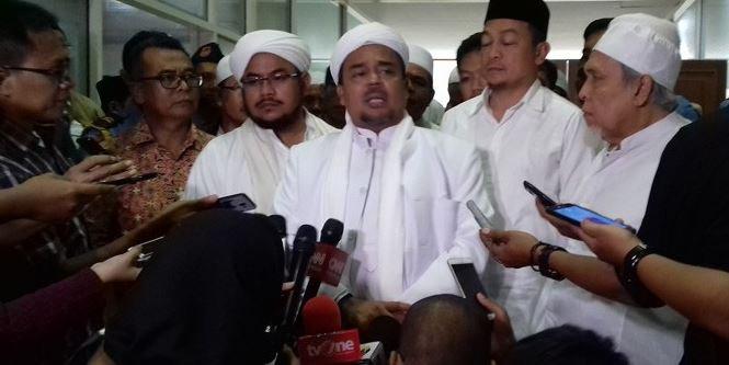 Video Habib Rizieq Bongkar Rahasianya Pergi dari Indonesia, Diteror sampai Ditawari Rp1 Triliun