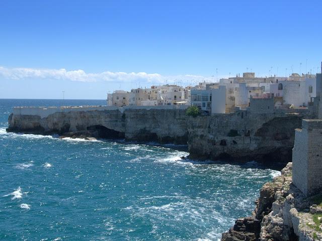 wybrzeże, skały, jaskinie Włochy