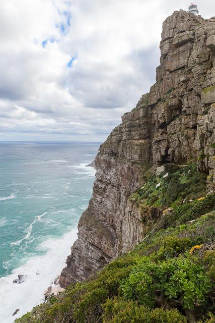 Acantilado y antiguo faro de Cape Point, Península del Cabo, Sudáfrica