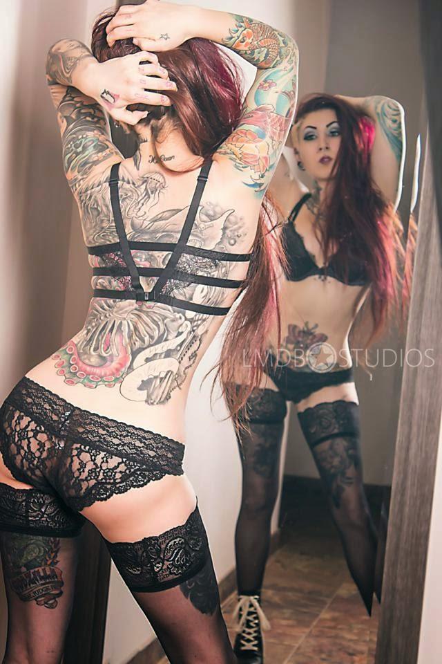 nude hot tattooed girls