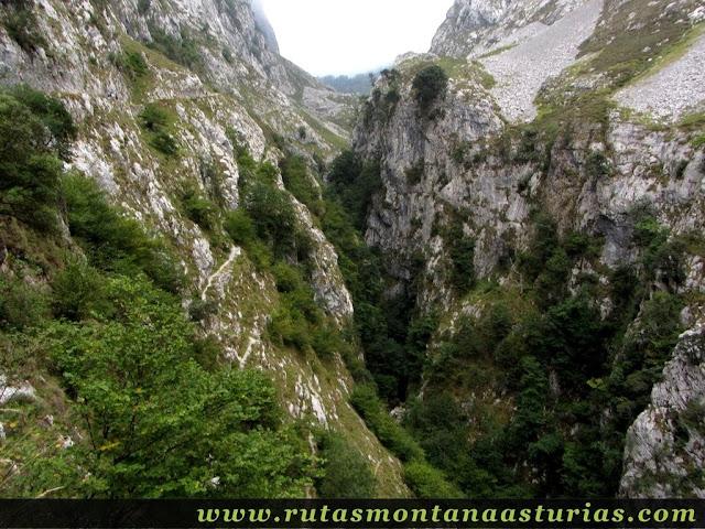 Ruta Caín Terenosa: Canal del Texu hacia Bulnes