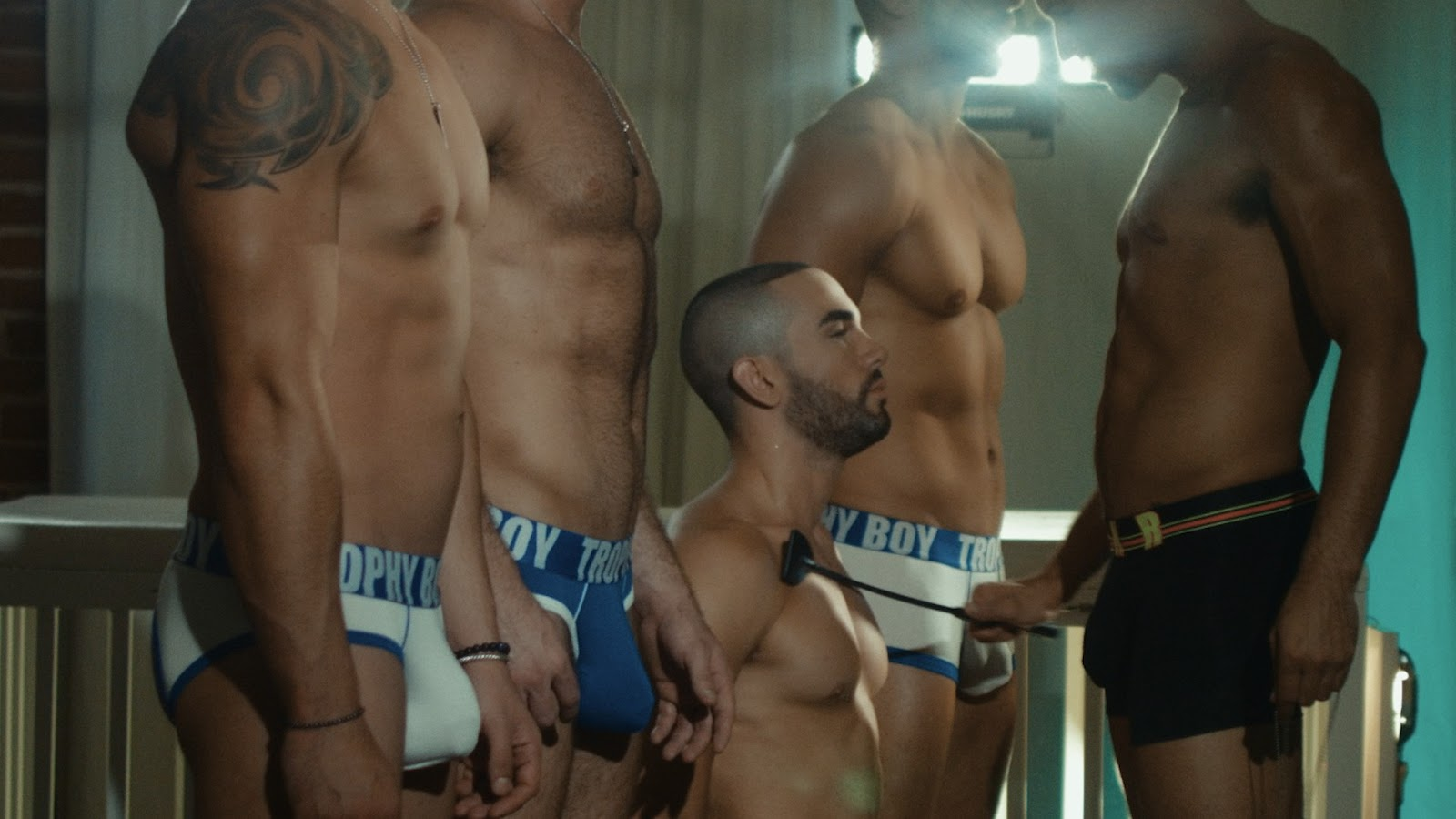 Julian serrano twerking mobile porno videos movies