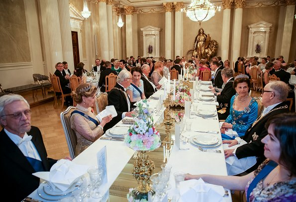 Queen Margretha, King Carl Gustaf, Queen Silvia, King Harald and Queen Sonja attended the gala dinner held at the Presidential Castle in Helsinki
