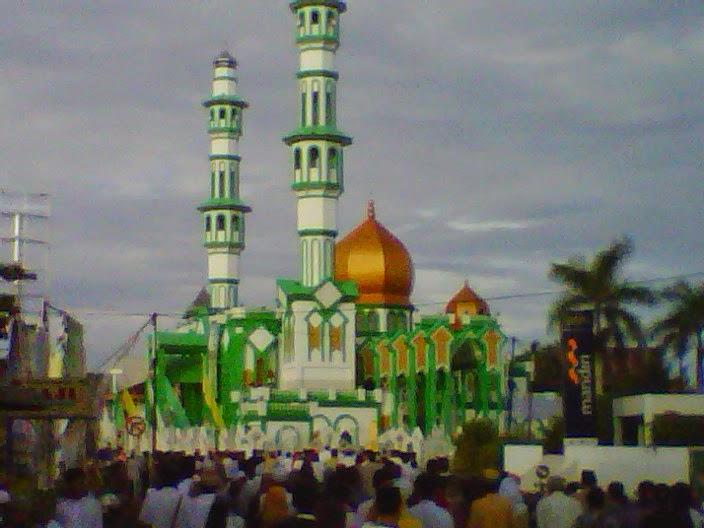 sholat id di masjid raya singkawang