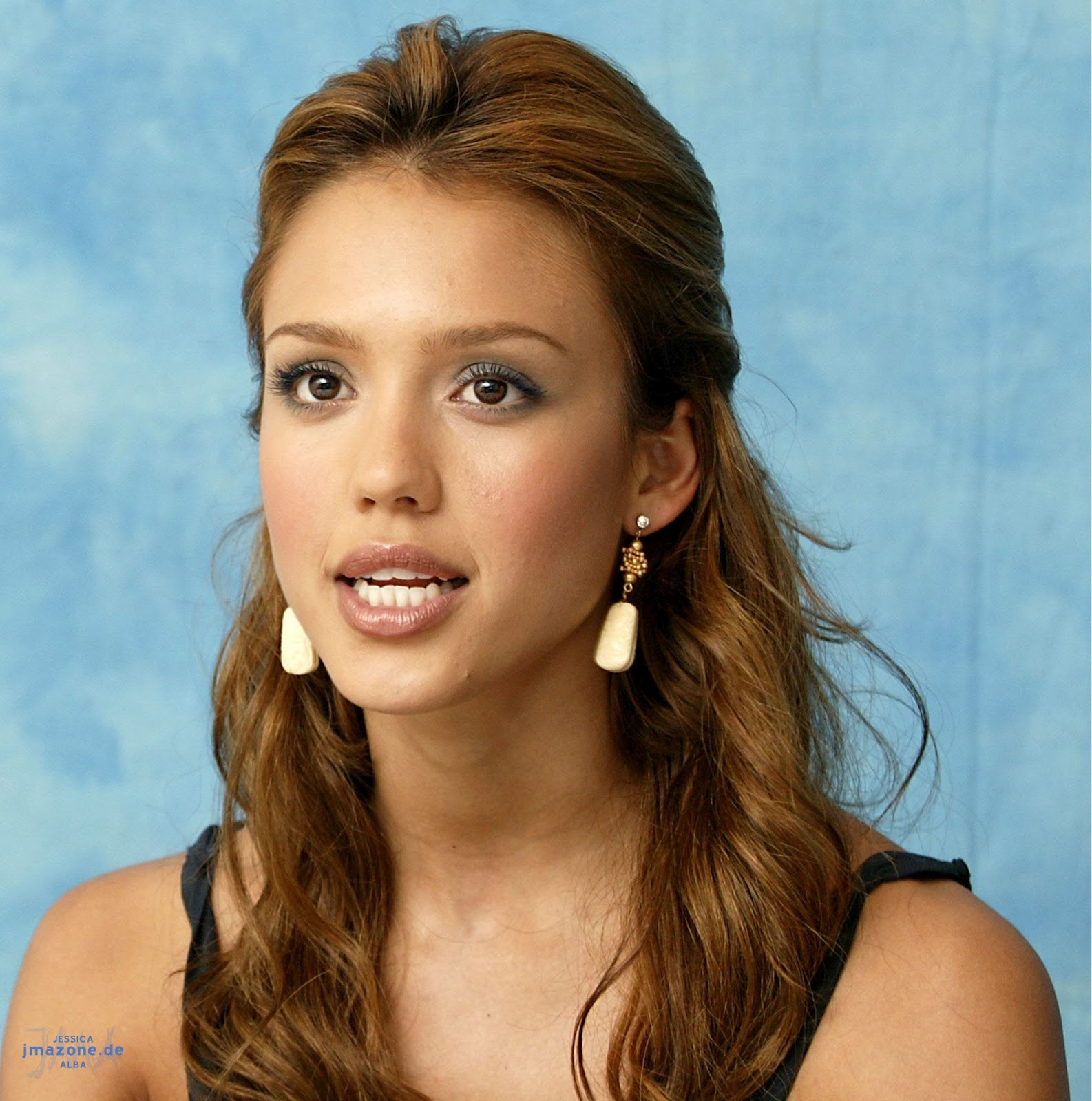 HOLLYWOOD ALL STARS: Jessica Alba Profile, Bio and ...