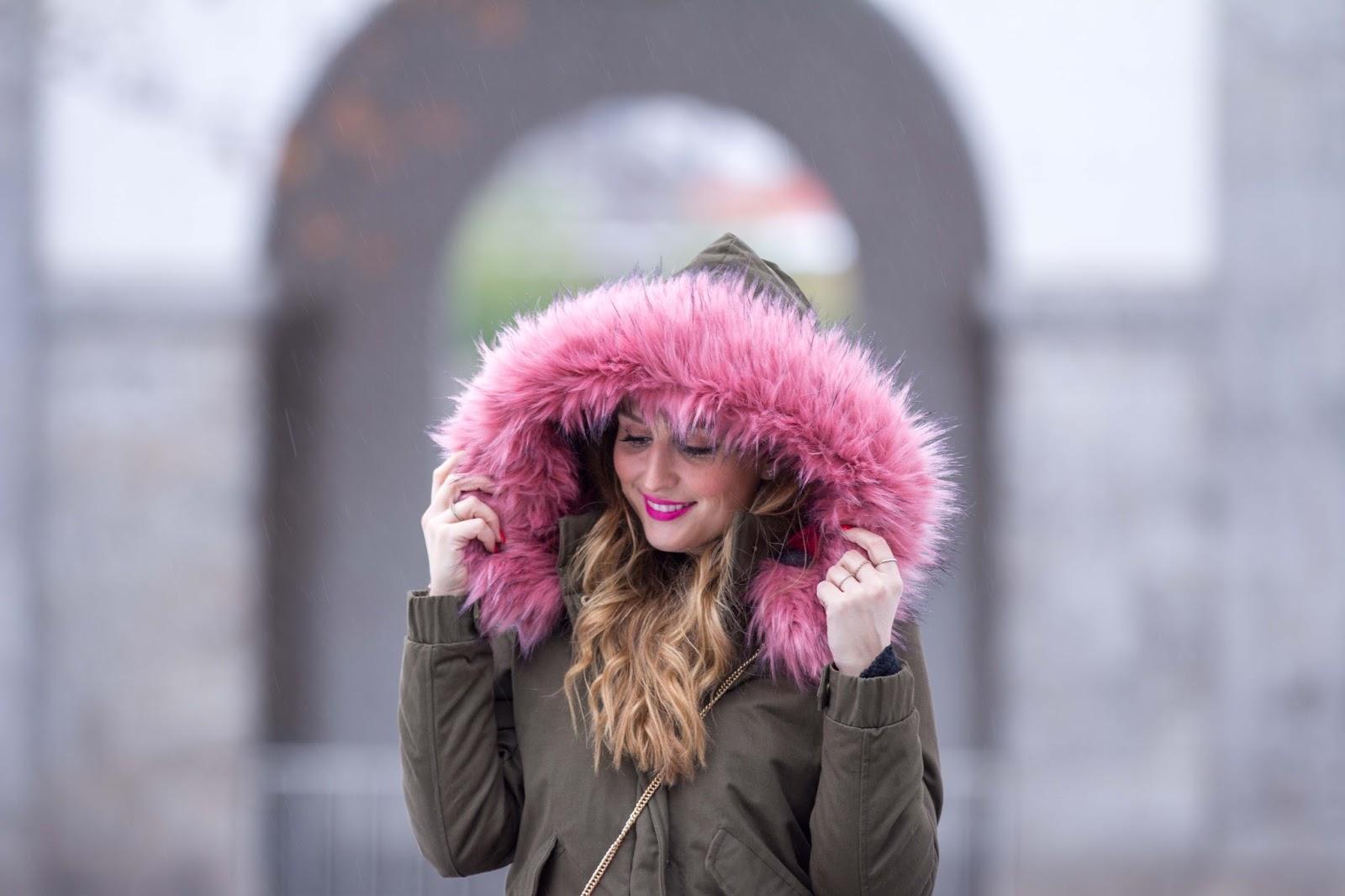 Fashionblogger-Parka-Parka-mit-buntem-Fell-pinkes-Fell-Khaki-Parka-Bloggerstyle-Fashionstylebyjohanna
