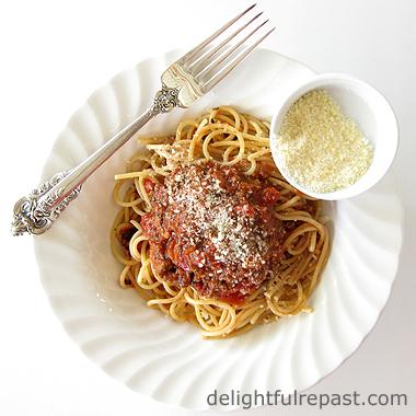 Spaghetti Sauce / www.delightfulrepast.com