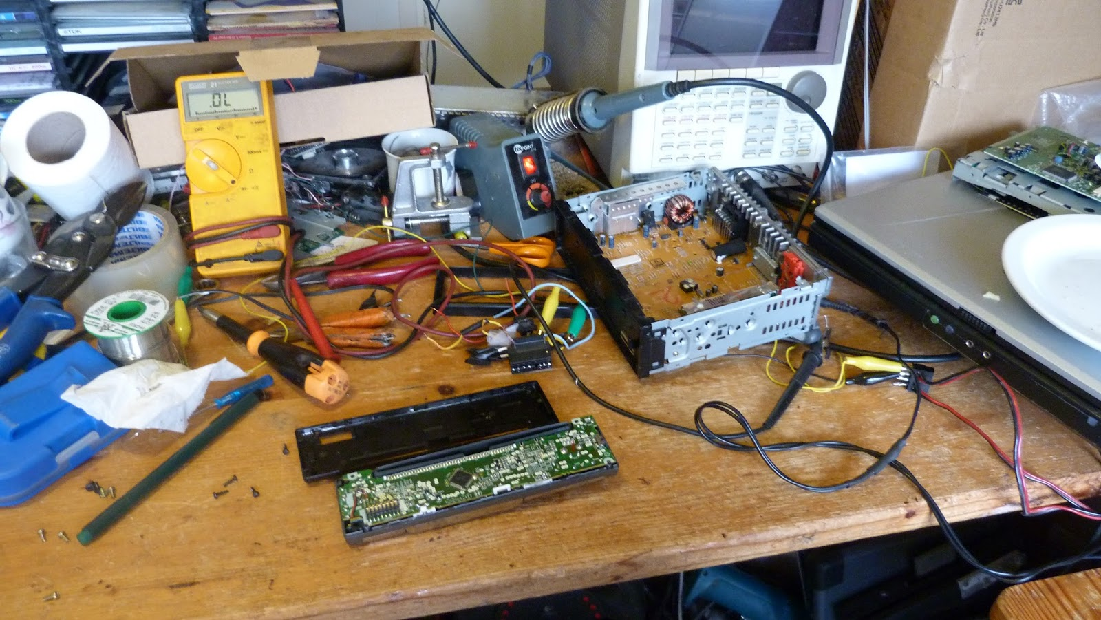 Säätö Lärä: Modding car stereo head unit with Arduino and