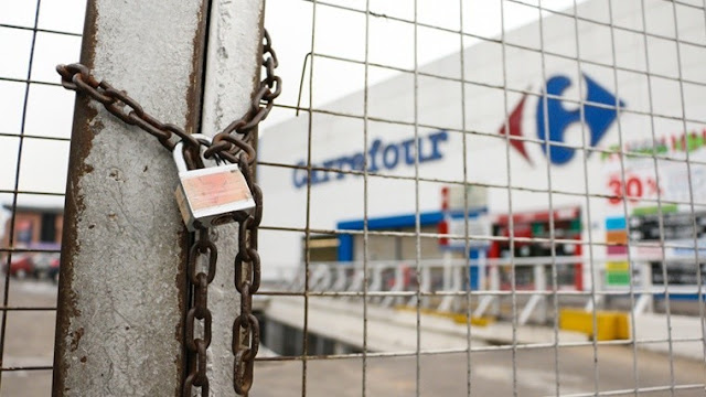 Carrefour planea cerrar entre 10 y 12 hipermercados. Corren riesgo 3 mil puestos de trabajo en distintas áreas y sucursales alrededor del país