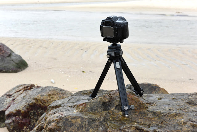 Sunwayfoto T1A20 Alu Ground Level Tripod at the beach