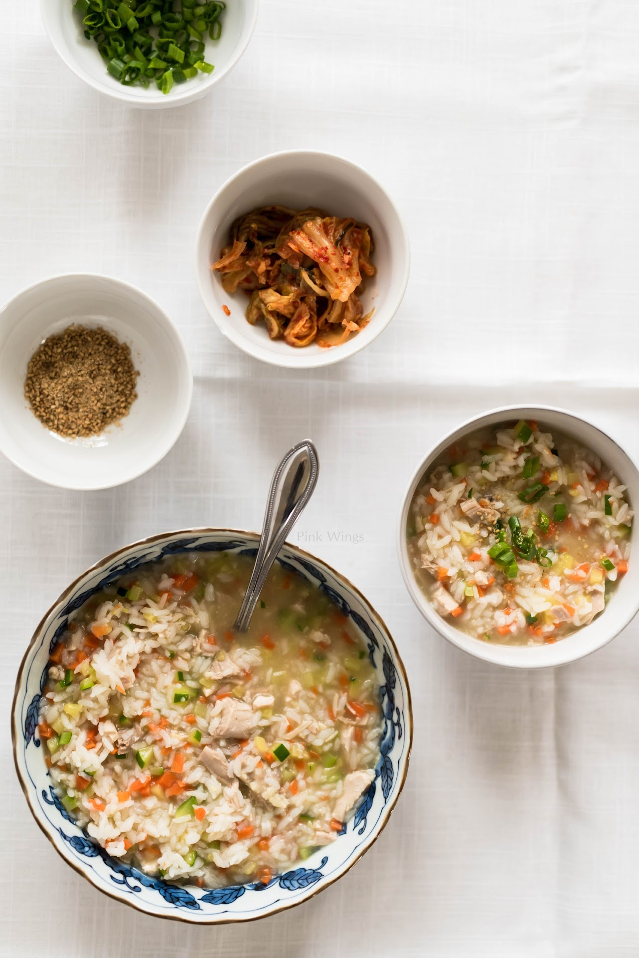 chicken porridge recipe, chicken thigh recipe, winter recipe, korean rice porridge, jook juk recipe, korean food, food for someone sick, easy rice recipe, korean food blog, winter comfort food, well-being food, korean meal,