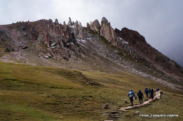 Palccoyo ou Tres Rainbows: trilha na montanha do arco-íris