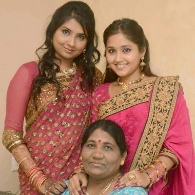 kajal raghwani family pics