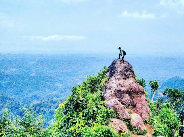 foto pemandangan di watu geong