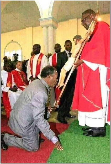 This happened during Easter, Catholic faithfuls understand better (PHOTO)