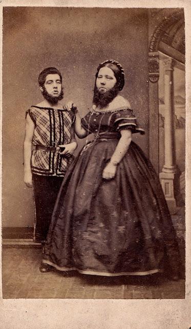 gambar orang aneh wanita bercambang dan berjenggot