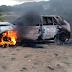 Pessoas revoltadas com acidente, colocam fogo em um veículo na cidade de Pesqueira, PE