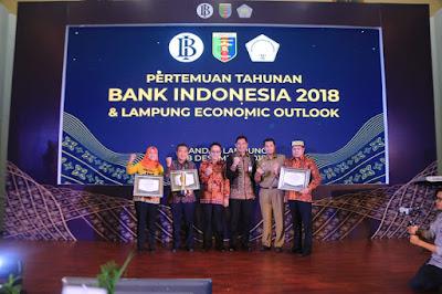 Dorong Semangat Investasi, FOILA Anugerahi DATA Award 2018