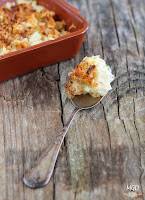 Puré de patata y atún con crumble de cebolla