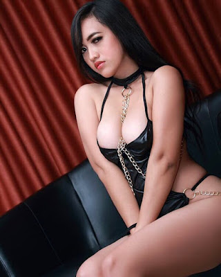 Download Foto Topless Sexy Hot Sensual Rhina Queenzee - www.insight-zone.com