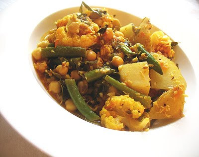 chickpea vegetable poriyal