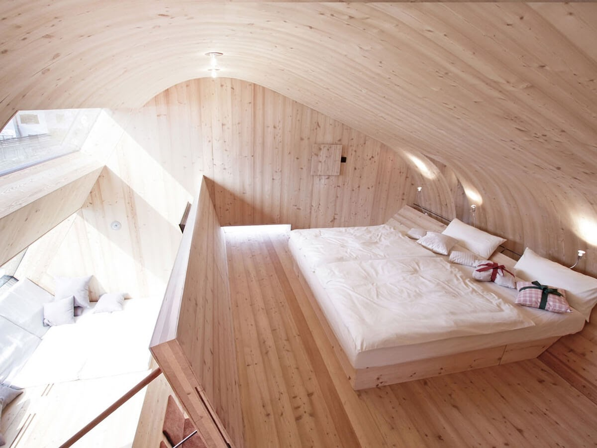09-Master-Bedroom-Architecture-with-the-Ufogel-Tiny-House-www-designstack-co