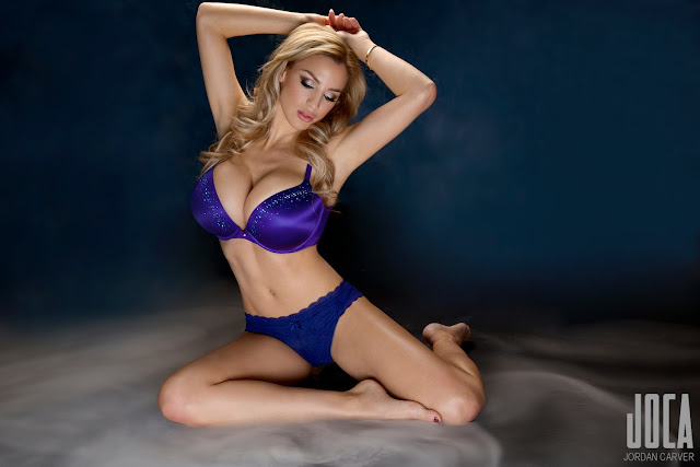 Jordan-Carver-WWL-Photo-Shoot-in-Hot-Blue-Bikini-HD-Picture-12