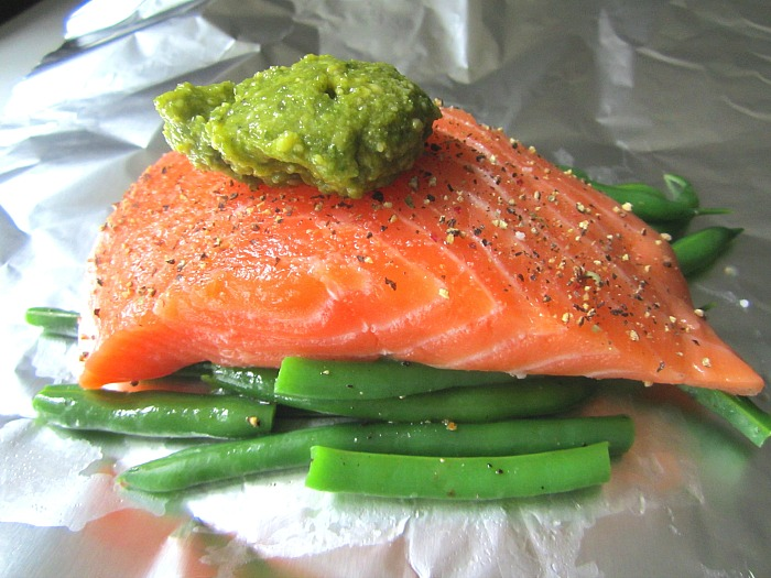 Stacey Snacks: Grilled Pesto Salmon in Foil Packets w ...