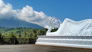 Sleeping Buddha Statue Tour at the Vihara Dharma Giri Tabanan
