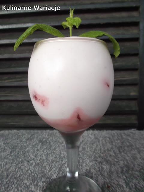 krem truskawkowy