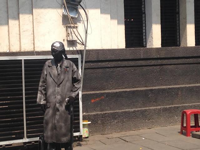 Patung Orang Jenderal Soedirman