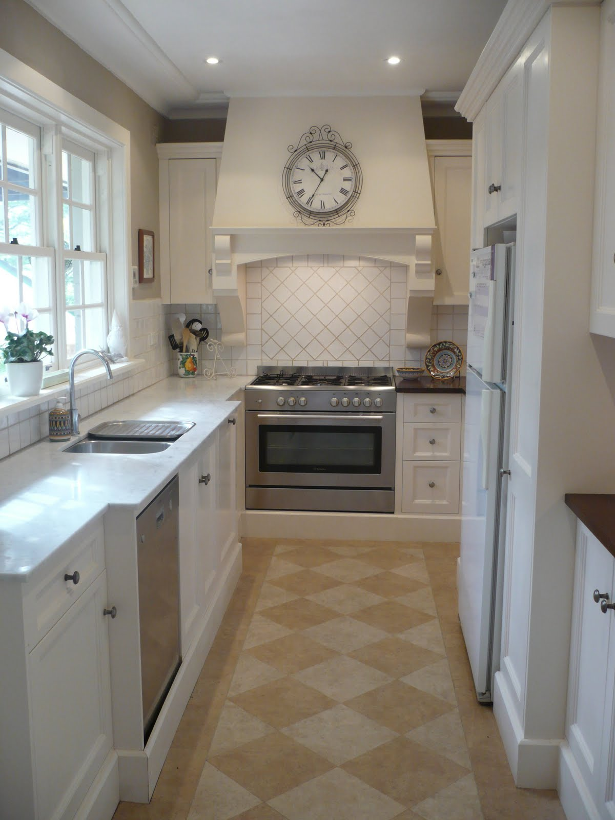 remodelaholic compact kitchen remodel taking advantage of all