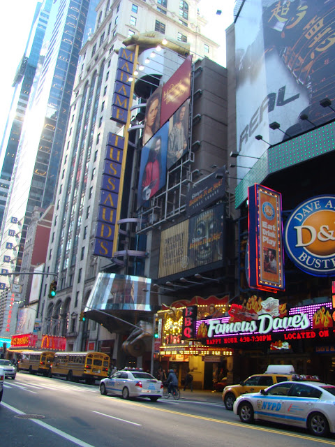 TIMES SQUARE - FRENTE DO MADAME TUSSAUDS