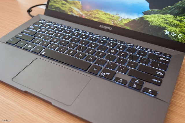CES 2017: Trên tay laptop AsusPro B9440