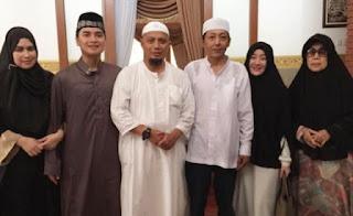 http://duniamuallaf.blogspot.co.id/2015/07/free-koleksi-video-kisah-mualaf-dunia.html