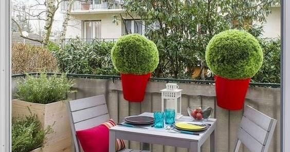 Arredamento e dintorni verde e arredo per balconi for Arredo per balconi