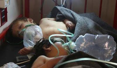 Más de cien muertos tras un ataque químico y aéreo en Siria