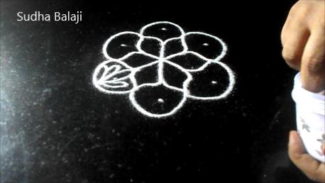 chukki-rangoli-for-Diwali-1ac.png
