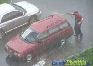 email divertido fail rir lol humor lavar carro chuva