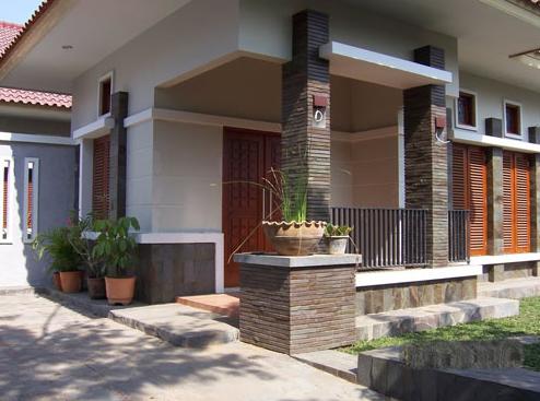 model batu alam terbaru untuk tiang teras - contoh model pilar teras depan rumah dengan batu alam