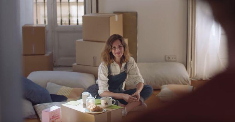 Canzone Bauli con papà e figlia su letto Pubblicità | Musica spot Ottobre 2016