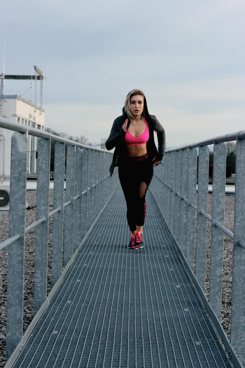 Fitness-Sport-Gym-Misterladyjeans-FitRate-Health-Fitnessblog-Blogger-Blog-Lauralamode-Munich-Muenchen-Shooting-Fitnessshooting-Fashionblog-Modeblog