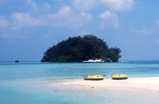 http://www.teluklove.com/2017/04/destinasti-objek-wisata-pulau-paniki-di.html