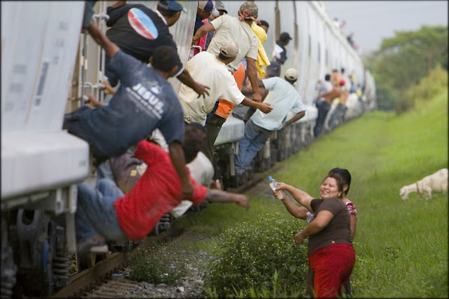 """Résultat de recherche d'images pour """"Women Satisfying Immigrants: Las Patronas"""""""